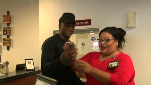 Happy Meal! Davante Adams surprises UberEATS customers during lunch deliveries