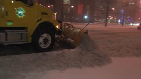 Milwaukee DPW snow operation likely Saturday night