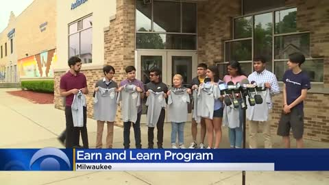 "Milwaukee Mayor Tom Barrett kicks of ""Learn and Earn"" summer..."