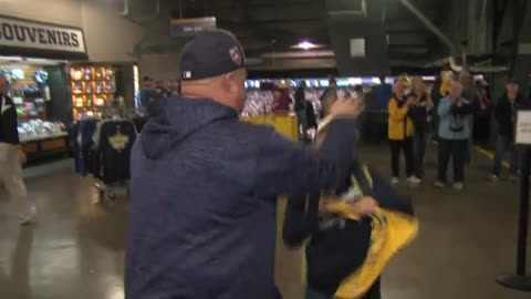 Fans react after Brewers win game one of NLDS