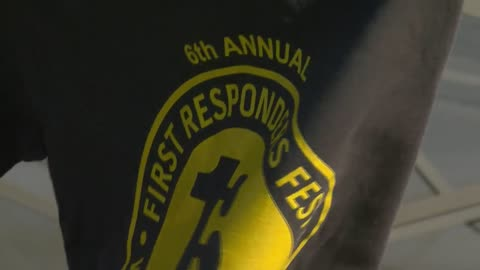 "Wauwatosa residents say ""thank you"" to first responders during event at Hart Park"