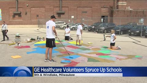 GE Healthcare employees get local schools ready for students