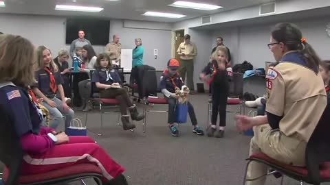 First all girls Cub Scout Den Meeting held in Greenfield