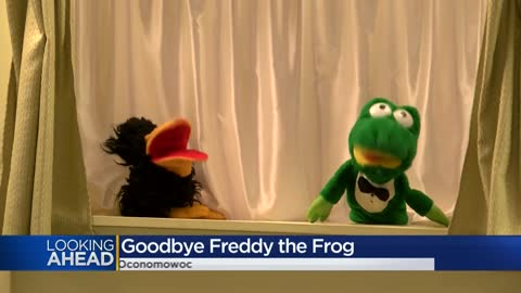 Watch: Final curtain call for 'Freddy the Frog' at Oconomowoc Public Library