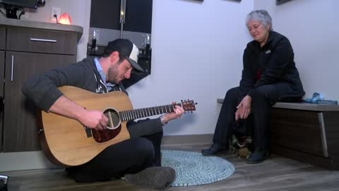 Guitars at the Vet: Dr. Noah puts his own riff on pet medicine