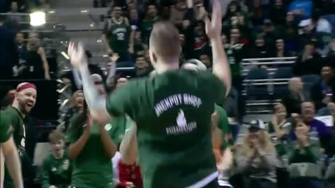 Bucks fan wins $5,000 in half-court shot