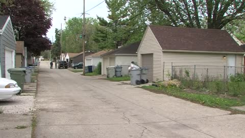 Milwaukee woman held at gunpoint during home invasion near 60th...