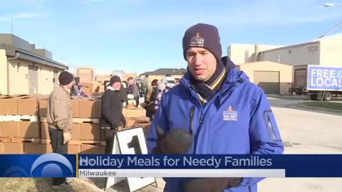 Hunger Task Force volunteers prepare holiday meals for families