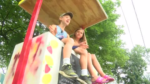 Lemonade stand back open in Oconomowoc with help from kind citizens