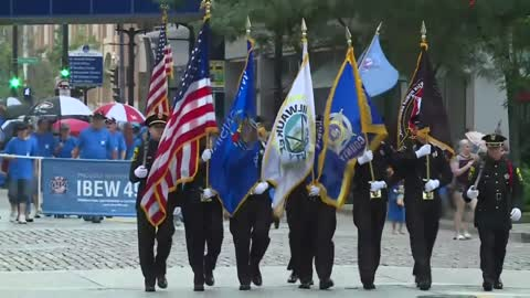 Rain doesn't stop Milwaukee's Labor Day Parade