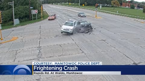 Manitowoc police share footage of crash, warn against distracted driving