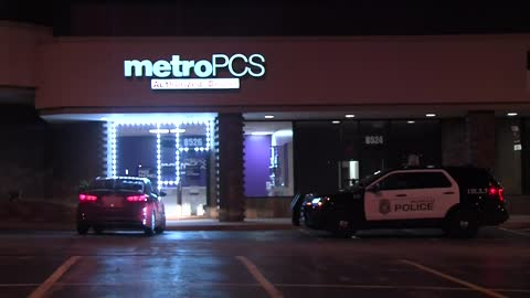 Metro PCS store broken into, MPD investigating