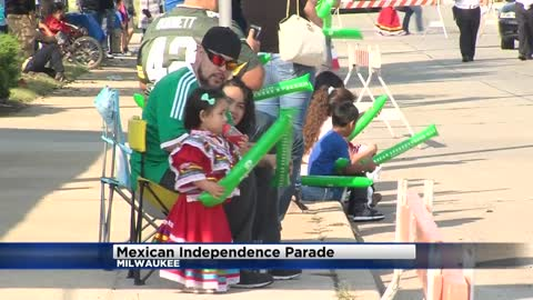 Parade celebrates Mexican independence