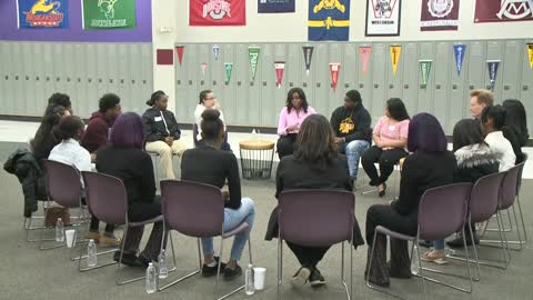 """Stand out:"" Former First Lady Michelle Obama surprises 14 high school juniors in Milwaukee"