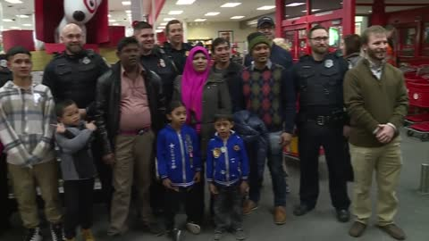 MPD District Six officers take children holiday shopping in Bay...