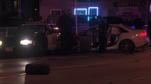 Milwaukee Police looking for five after crash involving squad car