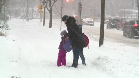 MPS schools open despite heavy snowfall