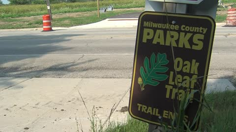 Oak Leaf Trail closed while crews install new drainage system