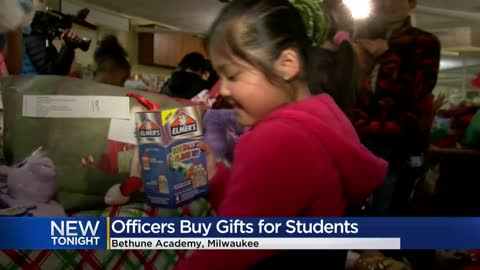 Milwaukee police buy gifts for students at Bethune Academy