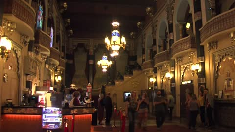 Oriental Theatre reopens after nearly 6 weeks of renovation work