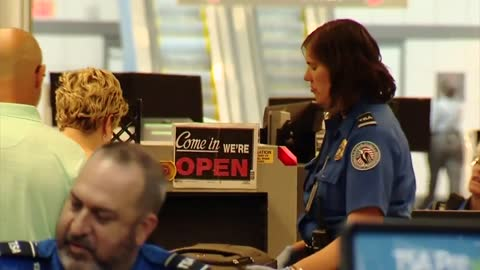 Pittsburgh airport to allow non-travelers through security for shopping, goodbyes