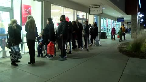 Police presence increases at Pleasant Prairie Outlets on Black Friday weekend