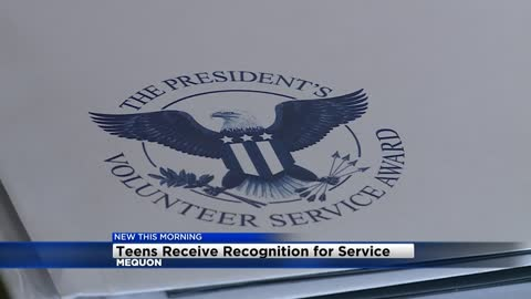 Local teens honored with presidential volunteer award