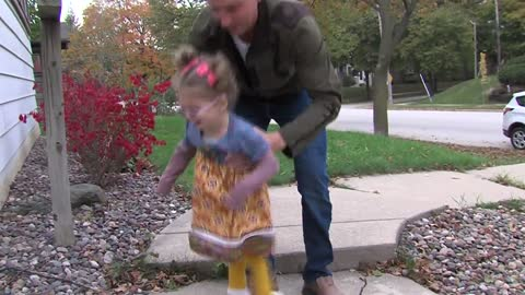 Blind Wauwatosa toddler readies for groundbreaking eye surgery