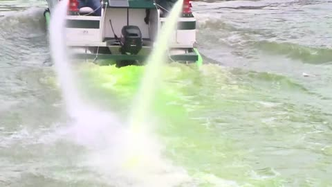 Milwaukee River successfully turned green for Milwaukee Bucks playoff run