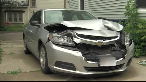 Riverwest woman carjacked, thieves crash her car down the block
