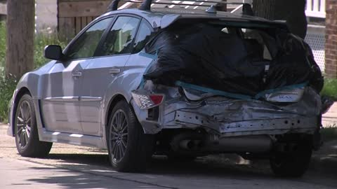 Dangerous driver hits several parked cars in Riverwest, stopped by neighbors