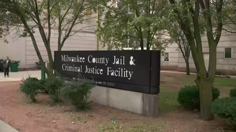 After giving birth in shackles, woman sues Milwaukee County