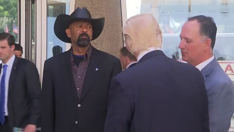 Former Milwaukee County Sheriff David Clarke temporarily blocked from tweeting