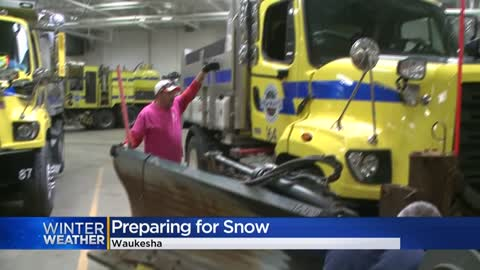City and county crews prepare for overnight snow