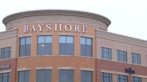 More stores closing at Bayshore Town Center