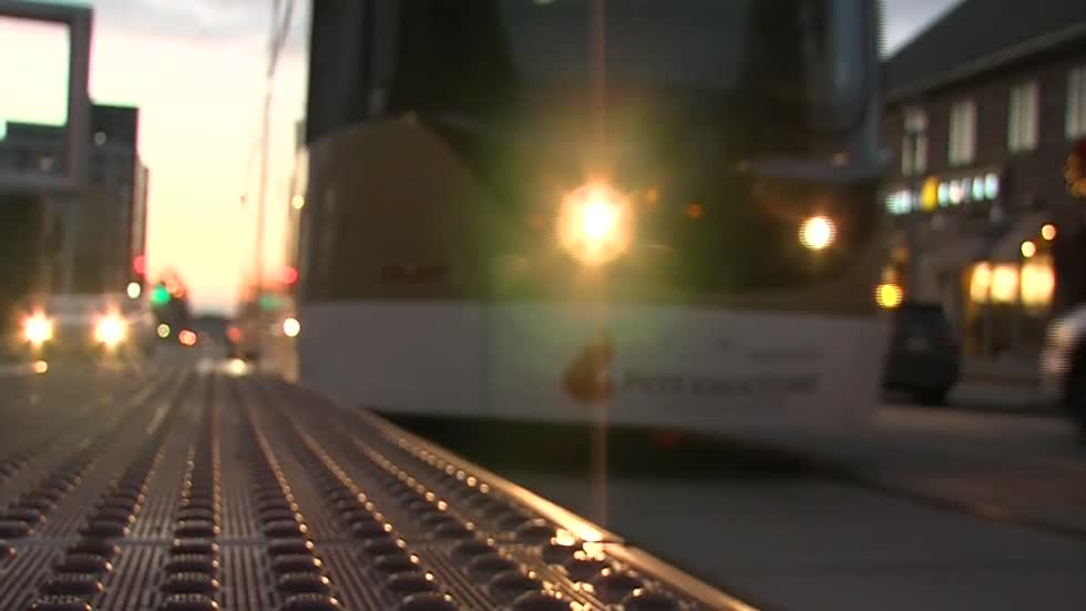 Milwaukee city leaders discuss proposal to expand streetcar