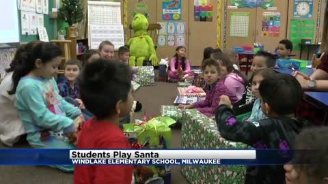 High schoolers raise money to buy gifts for Milwaukee elementary school students