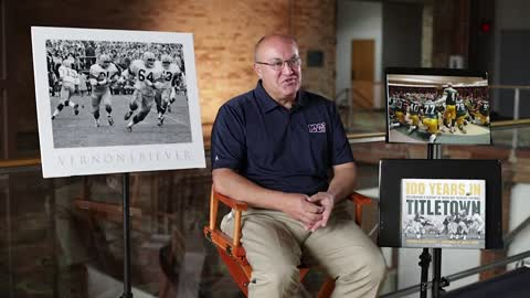 Former Packers team photographer releases collection chronicling 100 years of Green Bay football