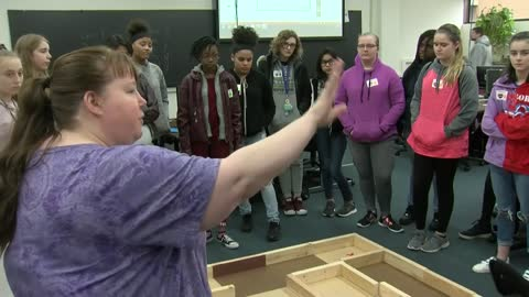 GEMS program brings middle school girls to college campuses in order to promote STEM fields