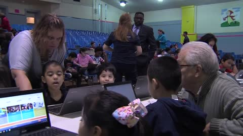 Milwaukee students take part in 'Hour of Code'
