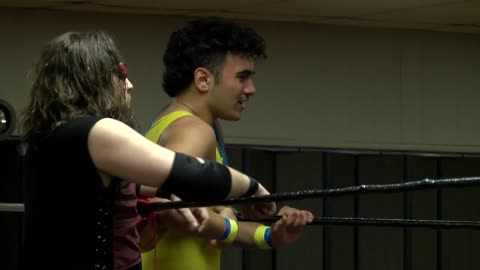 'I love watching him:' 17-year-old Cedarburg pro wrestler...