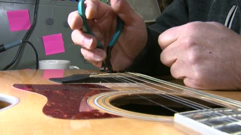 Sunday Morning Spotlight: Master Luthier Ron Jones