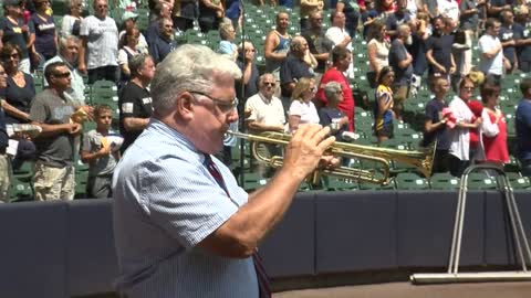 Wisconsin native on patriotic quest to perform national anthem at all MLB stadiums