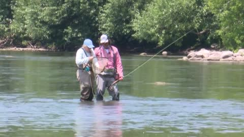 Effort to spearhead more 'fly fisherwomen'