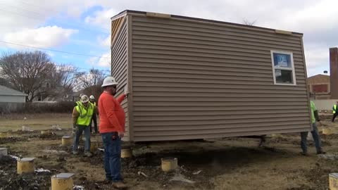 "Veterans begin populating ""tiny home"" village in Racine"