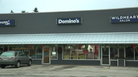 Teen orders pizza using stolen information