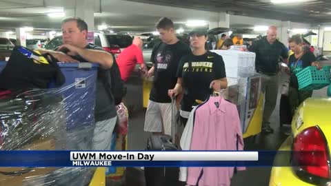 Move-in day for UWM freshmen