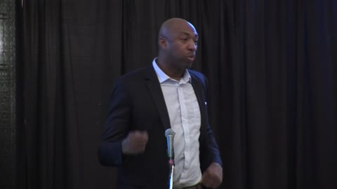 Former Bucks star Vin Baker highlights Governor's Prayer Breakfast