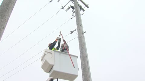MPS students get hands-on experience thanks to We Energies training