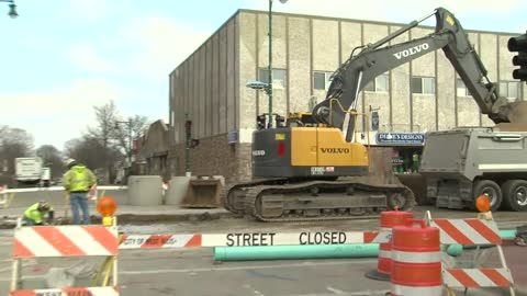 Emergency repairs shut down portions of W. Greenfield Ave. in West Allis
